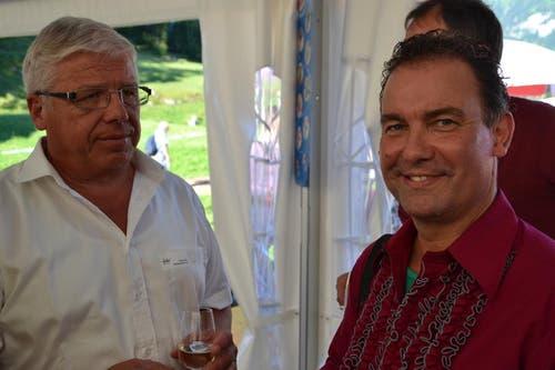 Der Schwyzer Ständerat Peter Föhn (links) und der künstlerische Leiter Beat Toniolo an der Premiere des Freilichtspiels «Tell trifft Wagner» in Seelisberg. (Bild: Bruno Arnold / Neue UZ)