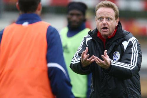 Einen Tag später leitet er das Training der ersten Mannschaft. (Bild: Philipp Schmidli/Neue LZ)