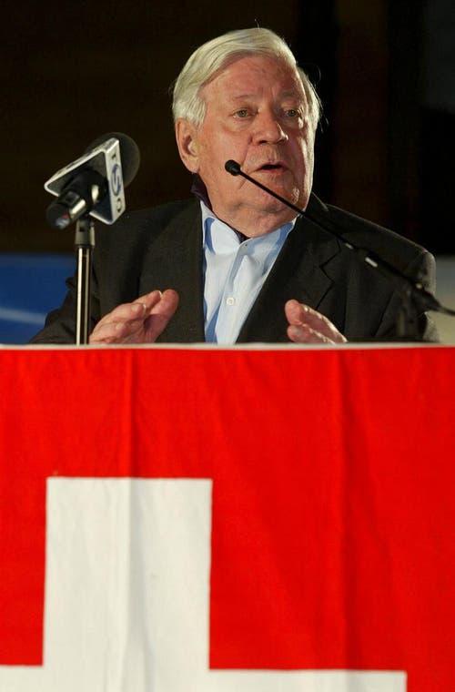 Alt Bundeskanzler Helmut Schmidt bei seiner Festrede zur transatlantischen Beziehung, am Schweizer Nationalfeiertag in Samnaun-Compatsch. (Bild: Keystone)