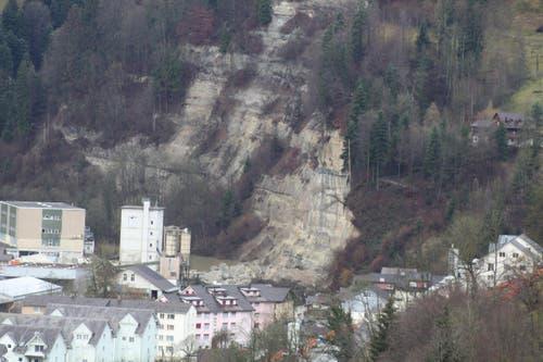 Die Abbruchstelle, aus der Ferne betrachtet. (Bild: Leserbild Edi Ulmi)