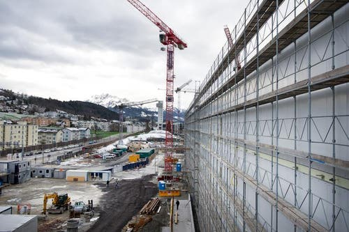 Hier entsteht der Haupteingang (15. Januar 2016). (Bild: Corinne Glanzmann / Neue LZ)
