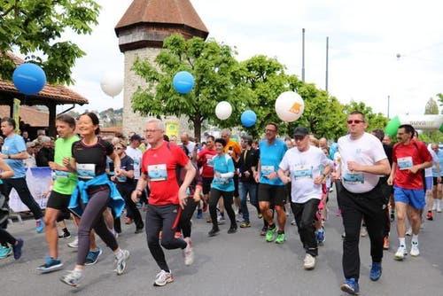 Läuferinnen und Läufer am Solidaritätslauf zu Gunsten von Pro Juventute Kanton Luzern. (Bild: Sara Häusermann / luzernerzeitung.ch)