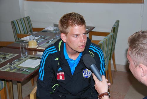 Florian Stahel gibt Radio Pilatus im Mövenpick Resort & Spa in El Gouna ein Interview. (Bild: Daniel Wyrsch / Neue LZ)