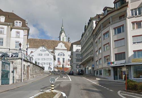 Schwyz, mit Blick Richtung Hauptplatz. (Bild: Google Street View)