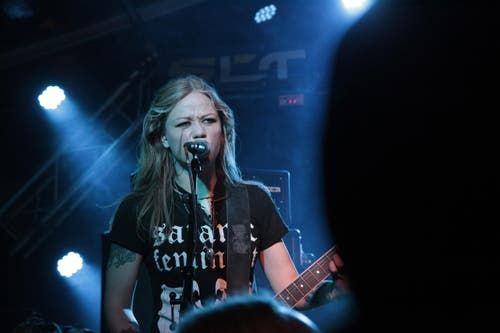 Die Band Crucified Barbara aus Schweden bei ihrem Auftritt am Samstagabend (Bild: Florian Arnold (Neue UZ))