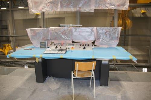 Vom Kommandoraum wird der Ablauf der Kehrichtverbrennung gesteuert. (Bild: Philipp Zurfluh)