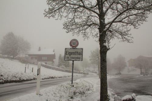 Verschneites Eigenthal am Montag. (Bild: Leserin Trudi Haas)