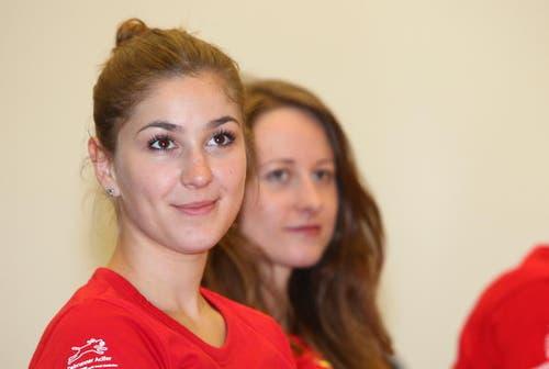 Anne-Juliette Muggli (links), Kosmetikerin aus Meggen. (Bild: pd)