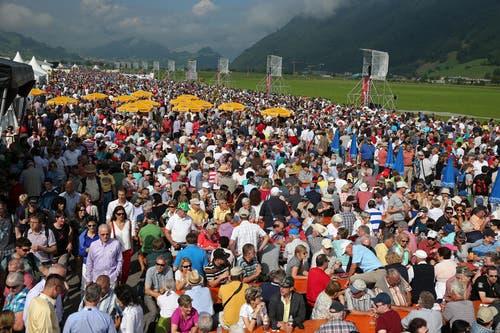 Rund 25'000 Besucher kamen auf den Flugplatz Buochs. (Bild: Philipp Schmidli)