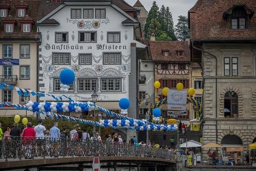 Die Stadt im schmucken Blau-Weiss-Kleid. (Bild: pd)