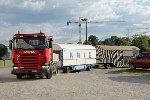 Insgesamt 135 Anhänger braucht der Circus Knie für sein Material. (Bild: René Meier / Luzernerzeitung.ch)