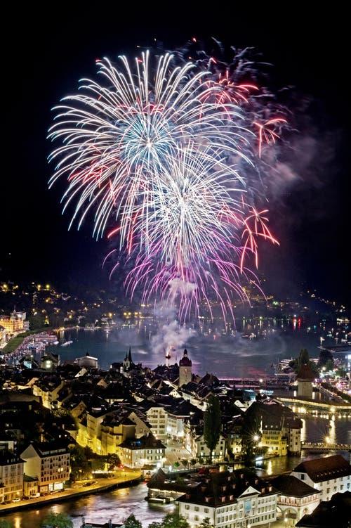 Feuerwerk am Luzerner Fest. (Bild: Pius Amrein (Neue LZ))