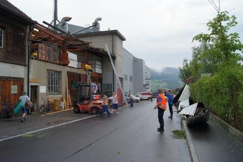 Der Sachschaden beläuft sich auf mehrere zehntausend Franken. (Bild: Zuger Polizei)