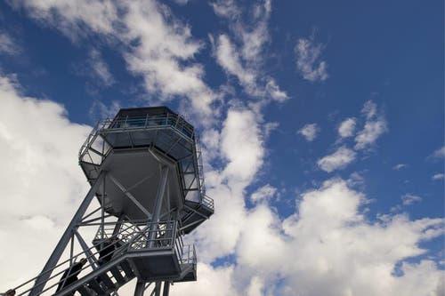 Dank dem neuen Tower ist der Flugbetrieb gesichert. (Bild: Keystone/Sigi Tischler)