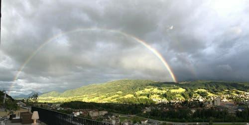 Regenbogen, gesichtet in Malters (Bild: Simon Kopp)