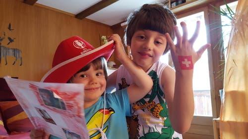 Meine Kleinen haben schon ein Fussballherz für die Schweiz! (Bild: David Savino)