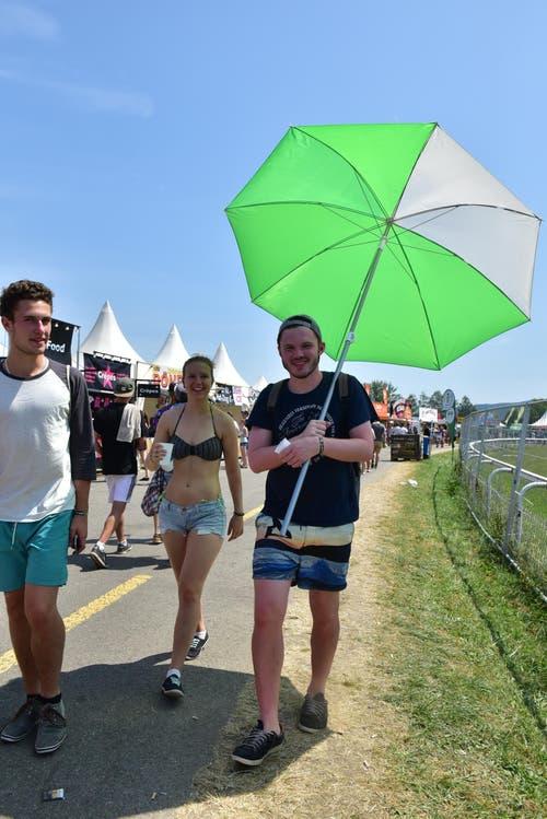 Glücklich ist, wer einen Sonnenschirm besitzt. (Bild: mte)