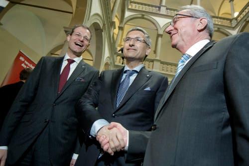 29. März: Bei den Regierungratswahlen des Kantons Luzern werden Reto Wyss, Guido Graf und Robert Küng (von links) bereits im ersten Wahlgang in ihren Ämtern bestätigt. (Bild: Pius Amrein/Neue LZ)