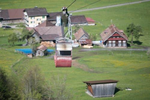 Die Seilbahn Fell - Spiess in der Gemeinde Oberrickenbach (Bild: Urs Flüeler / Keystone)