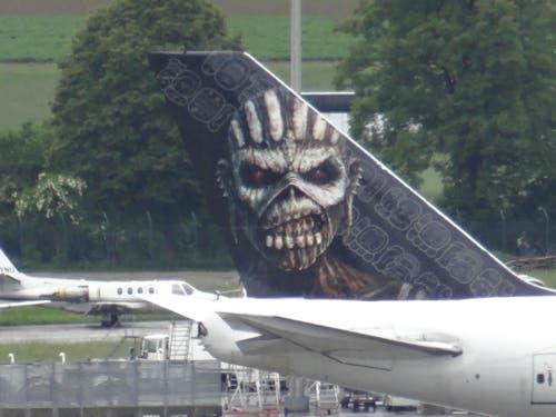 Iron Maiden: Ein einmaliges Bild auf einem Jumbo Jet. (Bild: Leserbild Lanski Werner)