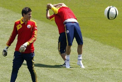 Spieler der rumänischen Nationalmannschaft am Dienstag in der swissporarena. (Bild: Keystone)