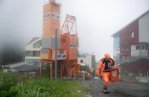 Bauarbeiten bei der Mittelstation Trübsee. Die Gäste sollen nichts vom Bau spüren. (Bild: Corinne Glanzmann / Neue OZ)