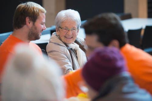 Während des Ausfluges wird jede betagte Person von einem Betreuer der ZSO Emme begleitet. (Bild: PD)