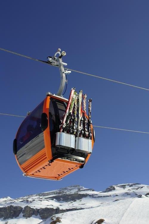 Solche Omega-IV-Kabinen der Firma CWA aus Olten - die Farbe ist noch nicht bestimmt - werden künftig zum Titlis schweben. (Bild: PD)