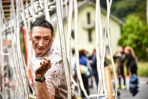 Diese Fäden sind so harmlos nicht. Sie führen Strom... (Bild: Sportograf / Colin Derks)