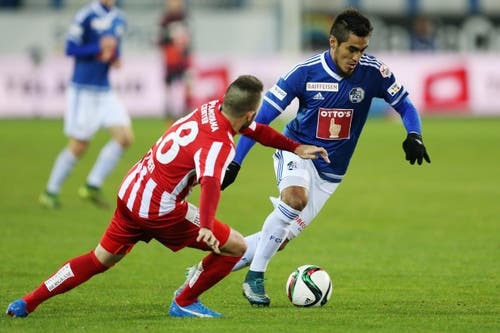 Luzerns Dario Lezcano (rechts) gegen Thuns Andreas Wittwer (Bild: Philipp Schmidli)