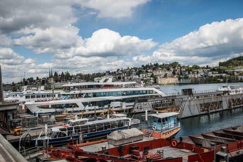 MS 2017 hat fünf Decks und ist 250 Tonnen schwer. (Bild: Bruno Gisi / Luzerner-Dampfschiff.ch)