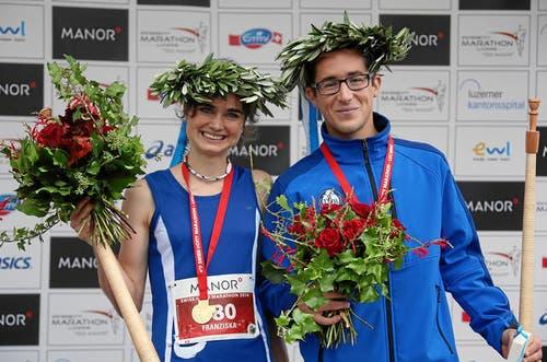 26. Oktober: Sie waren die schnellsten Marathon-Läufer beim SwissCity Marathon Lucerne: Franziska Inauen (Kriens) und Reto Dietiker (Hochdorf). (Bild: Swiss-Image / Andy Mettler)