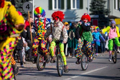 Einrad-Club Schachen mit dem Motto Clowns. (Bild: Philipp Schmidli)