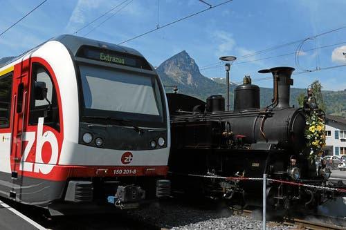Ankunft des Sonderzuges mit Ehrengästen in Giswil. (Bild: Andy Mettler / swiss-image.ch)