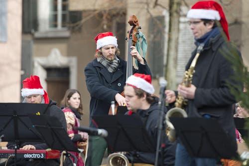Es gab auch musikalische Unterhaltung. (Bild: Maria Schmid / Neue ZZ)