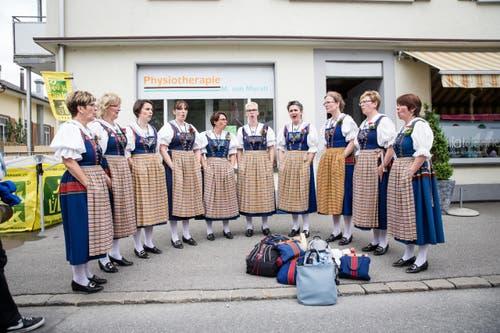 Feststimmung im Jodlerdorf. (Bild: Manuela Jans- Koch (Neue LZ))