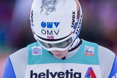 Kenneth Gangnes aus Norwegen nach einem seiner Sprünge am Sonntag. (Bild: Keystone / Urs Flüeler)
