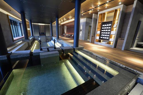 Das Luxushotel «Chedi», so wie es sich am 9. Dezember präsentiert: 104 Zimmer, Residenzen und Suiten, verschiedene Restaurants, ein 2400 Quadratmeter grosser Spa-Bereich und 140 Angestellte. (Bild: Keystone)