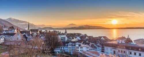Immer wieder schön, der Sonnenuntergang in Zug. (Bild: Ralph Welling, panoramapixel.ch)
