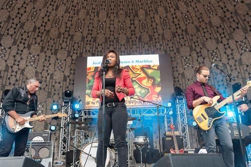 Erste Bands sorgen für gute Stimmung beim Luzerner Publikum. (Bild: pd)