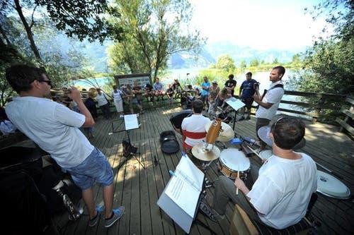 Ein Konzert mit Ausblick auf das Reussdelta. (Bild: Urs Hanhart)