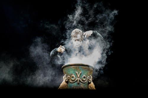 Bruce Dickinson bei der grossartigen Show auf der Luzerner Allmend. (Bild: Roger Grütter)