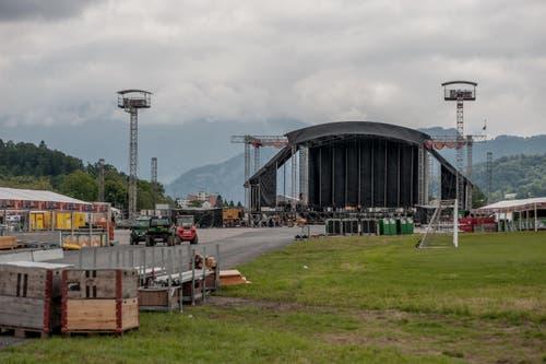 Damit ist «Allmend rockt» der publikumsreichste Anlass auf der Allmend seit dem Eidgenössischen Schwing- und Älplerfest 2004, als an zwei Tagen insgesamt rund 140'000 Personen vor Ort waren. (Bild: Pius Amrein / Neue LZ)