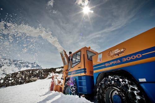 Letzte Arbeiten auf dem Gotthard. (Bild: Pius Amrein / Neue LZ)