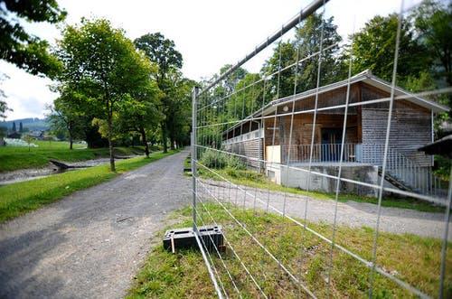 """22. August 2013: In Alpnach wird das Bundesasylzentrum """"Kleine Schliere"""" in Betrieb genommen. Vor der Inbetriebnahme hatte das Asylzentrum in Alpnach viel zu reden gegeben. (Bild: Corinne Glanzmann / Neue OZ)"""