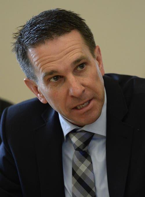 Auch der Regierungsratskandidat Martin Zimmermann (SVP), muss sich damit abfinden, dass er nicht gewählt wurde. (Bild: Keystone / Urs Flüeler)