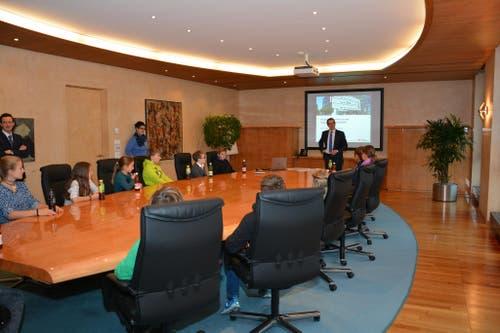 Begrüssung durch Heinrich Leuthard, CEO Nidwaldner Kantonalbank (Bild: Alexandra Bachmann)