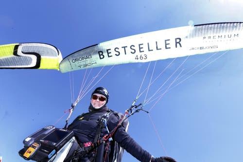 Vor 23 Jahren hat Davide Licini das Gleitschirmfliegen gepackt. (Bild: Werner Schelbert / Neue ZZ)