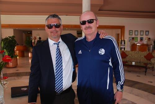 """FCL-Medienchef Stefan Bucher (links) und der interimistische Mannschafts-Arzt Thomas """"Doc"""" Stengel. (Bild: Daniel Wyrsch / Neue LZ)"""