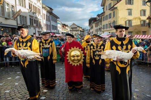 Sicher ist einzig, dass Bräuche um das wertvolle Federvieh früher in ganz Europa verbreitet waren. (Bild: Eveline Beerkircher (Neue LZ))